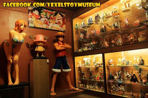 onepiece-bae:   @Yexel's Toy Museum :) (Philippines)   Luffy: trademark defiant, smiling pose, wearing classic outfitChopper: staring straight ahead, smiling, wearing classic outfitNami: submissive, sexualised pose, raised platform to make sure boobs are at the same height as the other two characters heads, wearing non-canon bikini Does anybody else see the differences here?