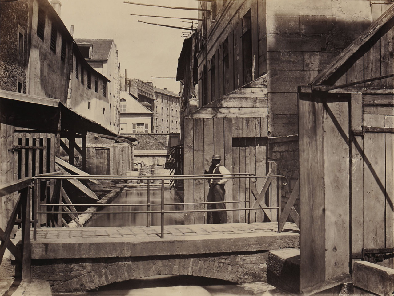Charles Marville 24, Rue Bièvre, Paris1865-1869 Albumin print 27.4 x 36.6 cm Collection Thomas Walther (via Exhibition: 'Concrete – Photography and Architecture' at Fotomuseum Winterthur, Zurich | Art Blartから)