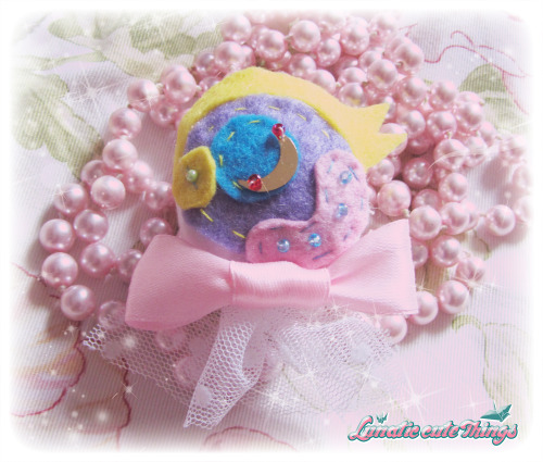 lunaticct:   ☆ Lovely Eye Brooch ☆Yellow type Only one, very exclusive.☆☆☆☆☆☆☆☆☆☆☆☆☆ ☆ON SALE IN☆http://lunaticct.storenvy.com/products/1549244-lovely-eye-yellow-brooch ☆Please Like our facebook page too☆https://www.facebook.com/LunaticCuteThings?ref=ts&fref=ts
