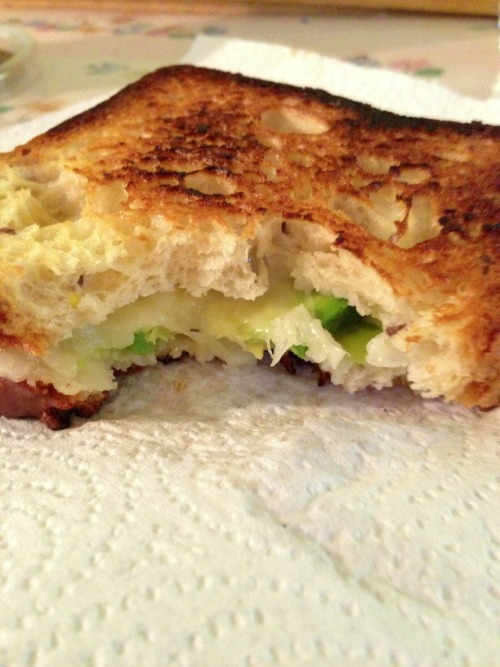 lafillecalme:  Lunch! Avocado grilled cheese!! 😍