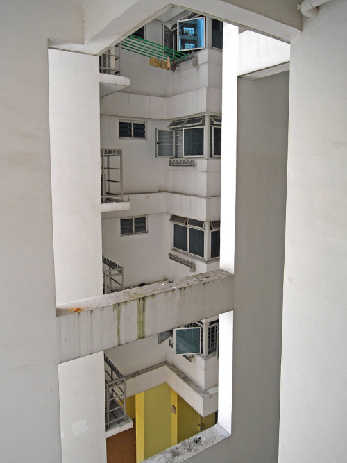 Block 621 - Bukit Batok Central by Horst Kiechle on Flickr.