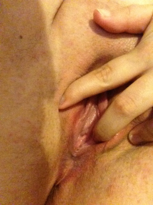thesexcave:  One of my followers sent this and asked to stay anonymous…thank you sweetheart for this delicious submission!