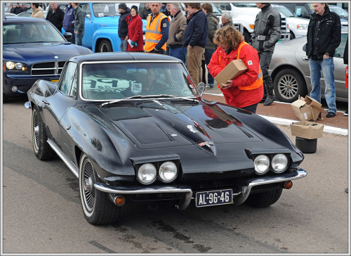 Remember the milk Starring: '64 Chevrolet Corvette (by Ruud Onos)