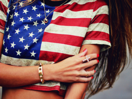 fashionpassionates:    Get yours: STARS STRIPES CROP TOP