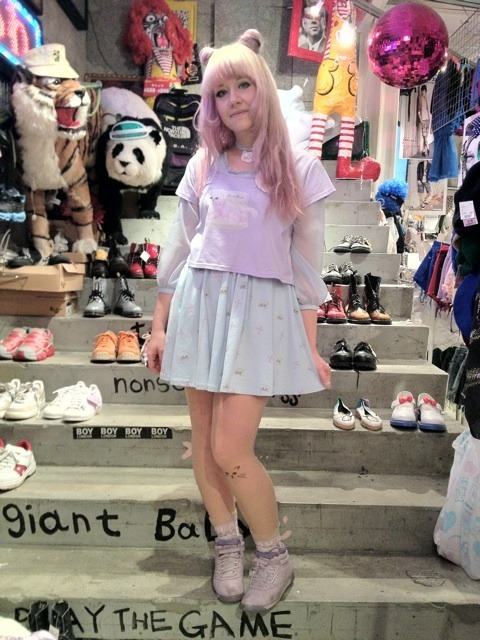 omggg SPINNS posted a picture of my silly kitty outfit eee ;/////; I'm just so super happy and feel so honoured to be on their blog! ♡♡♡ (even if I look awful of course lol)