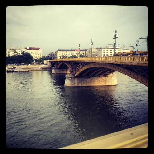 Pest side. :'3 #margarethbridge #margarethisland #budapest #pest #hungary #bridge #architecture #danube #river #nature #sky #beautiful #sunset #mood #lifestyle #feeling #moment