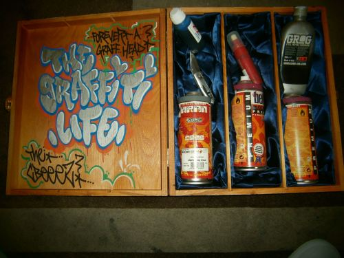children-born-mental:  The graffiti life by Mr Met