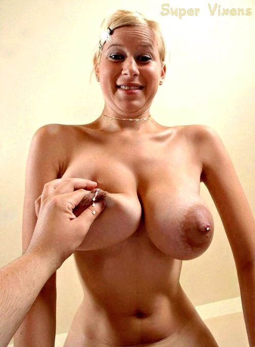 Yep ….. she's full! #MM #MammaryMonday #MilkMonday #vixpix