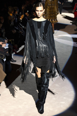 karlie kloss, tom ford fall 2013. loveeeee the super fringe.