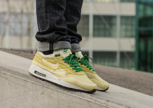 middls:  Nike Air Max 1 Powerwall Lemonade