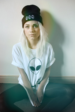 spikedapparel:  beanie and t from: http://spiked.bigcartel.com/