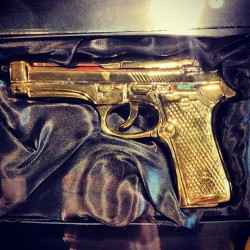 Golden gun. #fyasko #gun #gold #007