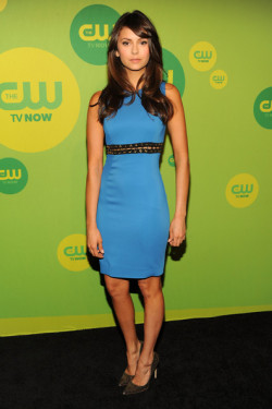 2013 CW UPFRONT PRESENTATION - NINA DOBREV 'I Am Starstruck' International Feature It's UPFRONTS season in Hollywood at the moment!  TV executives are prepping their flashy presentations for advertisers and the best part of these events is that the stars of the shows hit the red carpet themselves. The 2013 CW Upfront Presentation was held on Thursday at the London Hotel in New York City. 'The Vampire Diaries' star Nina Dobrev opted for a blue dress with a detailed black and gold belt on the red carpet.  Despite her recent real life breakup with costar Ian Somerhalder, Nina was all smiles and looking sexier than ever. Image Source: Zimbio