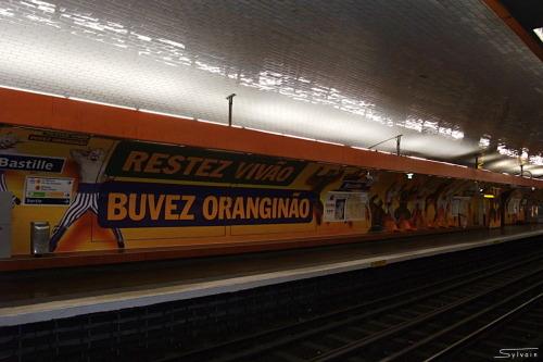 Station Bastille, Ligne 8. Du 18 juin au 15 juillet 2014.