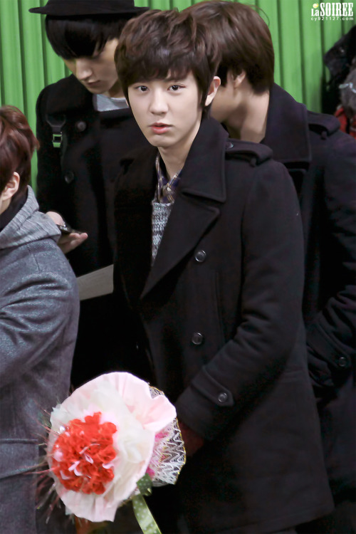 dailyexo:  Chanyeol - 130207 Sehun's graduation ceremony  Credit: La Soiree  love you too chanyeol…