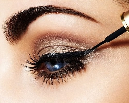 prettyyoungchild:  Casually Dramatic Cat Eye on @weheartit.com - http://whrt.it/ZNAwIh