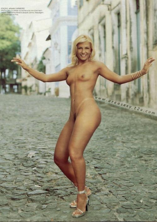 Carla Perez Nude 39