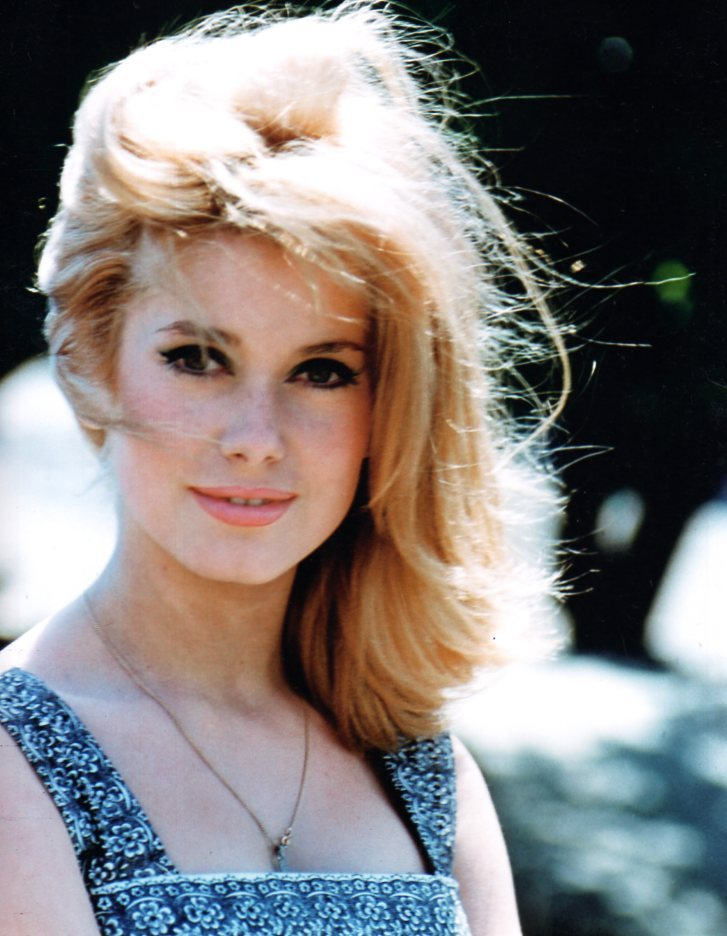 theswinginsixties:  Catherine Deneuve