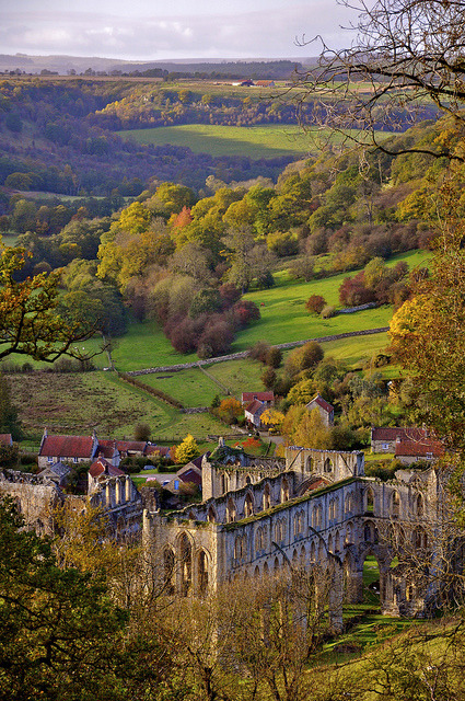 cristimoise:  Rievaulx Abbey, North Yorkshire, England.  Rievaulx Abbey  is a former Cistercian abbey headed by the Abbot of Rievaulx. It is located in Riev…  View Post