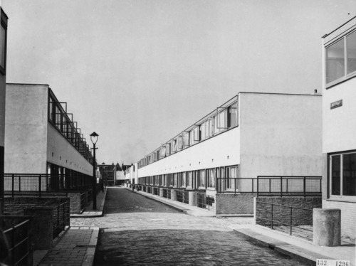 functionmag:  Kiefhoek Housing Development, Rotterdam J.J.P. Oud, 1928-1930
