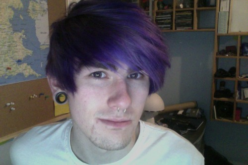 Got new purple contacts today :D