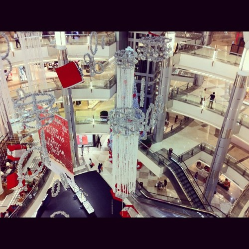Inside of New Galaxy Mall #place #Mall #iphonegraphy #iphonelovers #instagram #instahub #photoofthedays #tagstragam