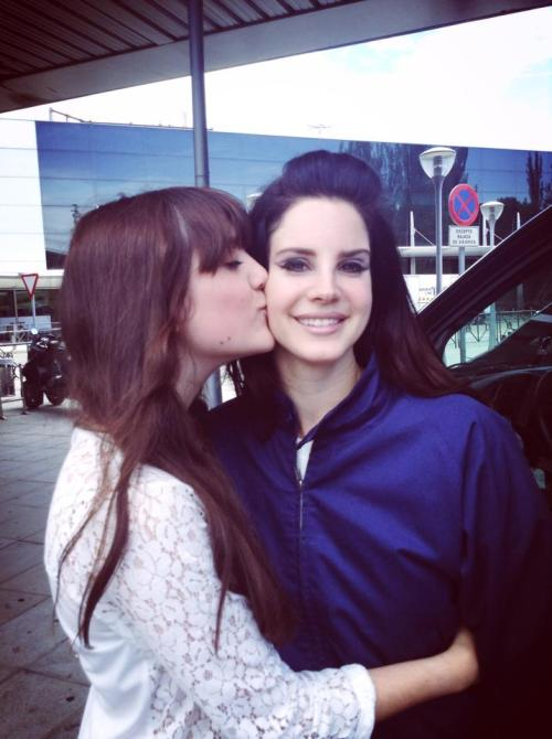 "sertex:  Today I met my biggest inspiration: Lana Del Rey. We talked about her videos and my videos, about her poems and my poems, about Walt Whitman and about art coming from sadness. About love. I gave her a scrapbook I've been doing for the last two months, with over 50 of her unreleased songs illustrated with beautiful pictures I collected. And she loved it, she really did, I saw it in her eyes. I also gave her a one of a kind Nancy Sinatra vinyl that I bought in a vintage shop, and she said she'd pack it with her suitcase to listen to it all over the tour. ""Of course I won't forget your face, I love you"" was the sweetest thing someone has ever said to me. And it was her: my biggest inspiration, the reason I keep making art; it was her who said it. Now, I know what happiness feels like."
