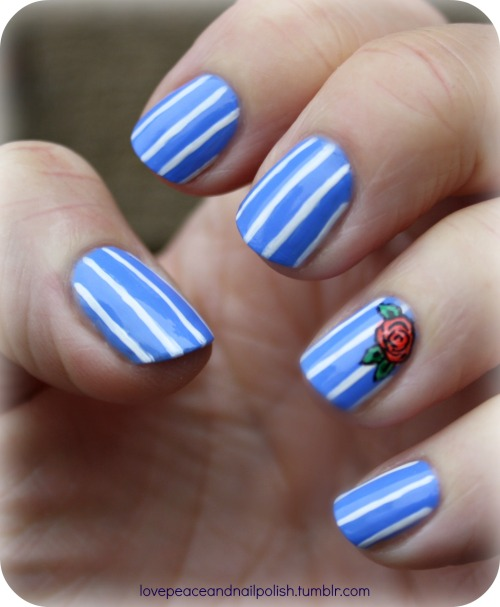 lovepeaceandnailpolish:  Striped nails for my mom :)