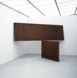 heathwest:  Richard Serra Kitty Hawk, 1983  Corten steel (2 plates) Upper plate: 48 x 168 x 2½ in. Lower plate: 48 x 72 x 4 in.