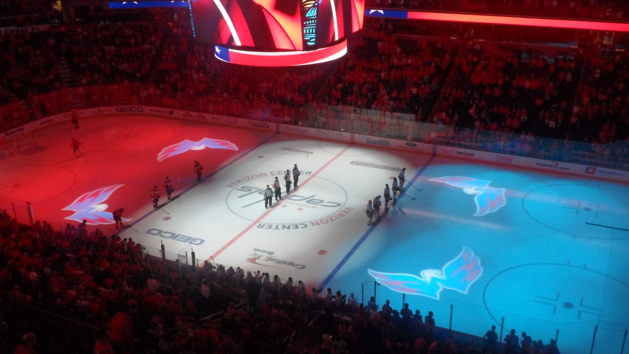 cadetsandkings:  Verizon Center looks so pretty during the National Anthem :)