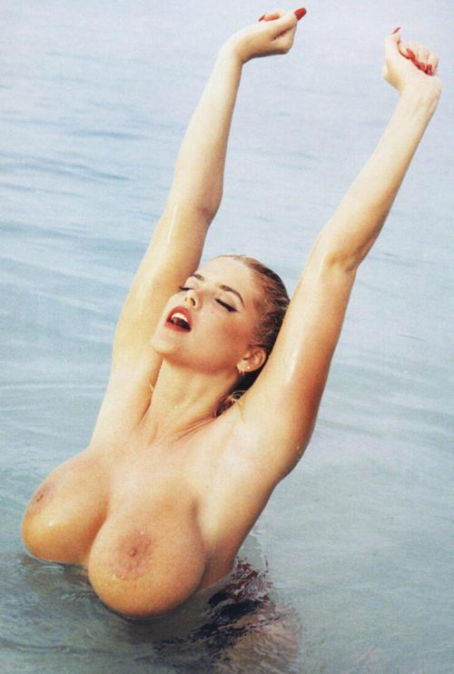 waterbabes:  anna nichole smith