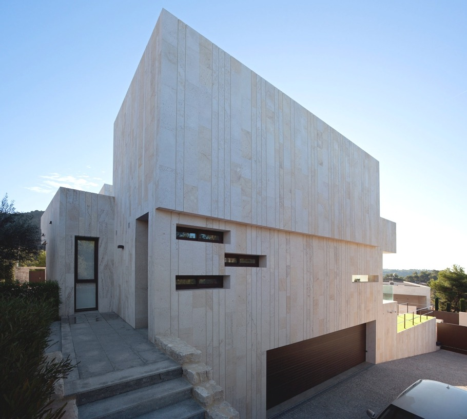 Monasterios House Project by Antonio Altarriba Comes