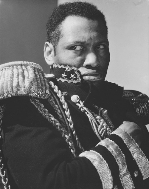 browngirlinorange:  Paul Robeson as Toussaint L'Ouverture in C. L. R. James play Toussaint L'Ouverture