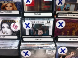 25% off our F A M I L Y - E.P at HMV Blackpool!  (Also look at the whopper under Jim Croce's nose, beautiful stuff)
