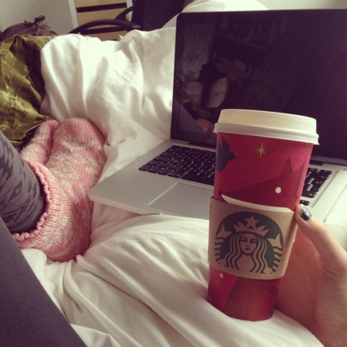 blondewavyhair:  Starbucks, movies, chillin 👌
