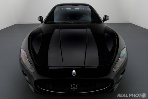 Building rage Starring: '12 Maserati Granturismo (by Real Photo Services)