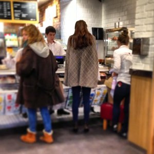 Kate Middleton spotted in a coffee shop?