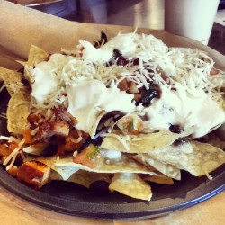 Lunch time #Qdoba #nachos #3cheese #chicken #bombtastic #omnomnom @ryanpopoff