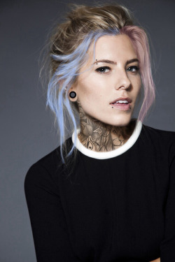 girl fashion piercing style tattoo pink hair blue hair beautiful girl color hair tatouage