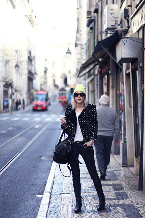 lookbookdotnu:  In the streets of Lisbon (by Sofie V.)