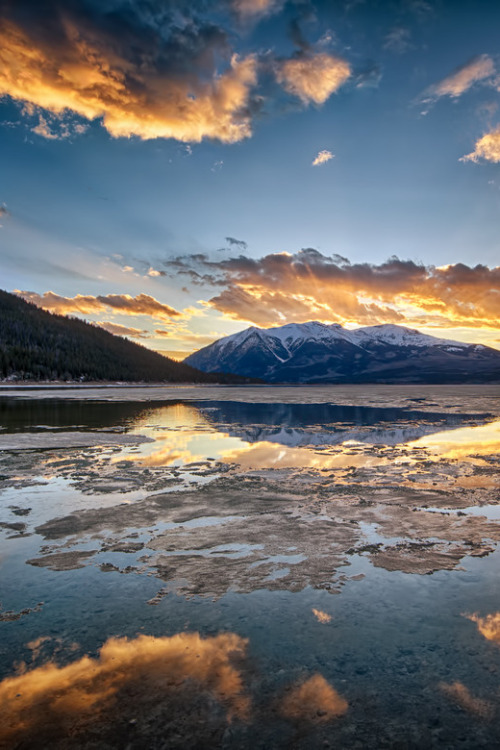 Twin Lakes Sunsetby Lars Leber