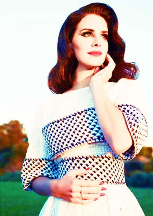 lana-del-rey-gallery:  follow lana-del-rey-lovely follow lana-del-rey-lovely