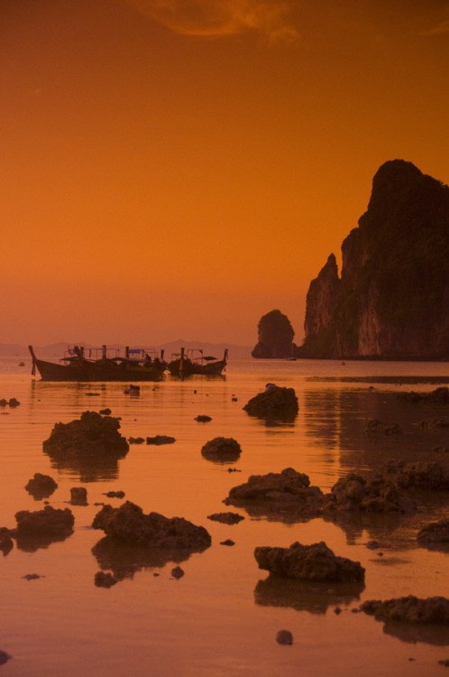 touchdisky:  Koh Phi Phi, Thailand by The Digital Image