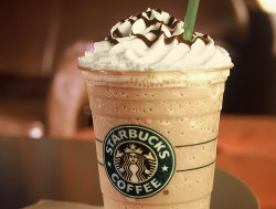 jackieekinss:  starbucks | Tumblr on We Heart It. http://weheartit.com/entry/61585040