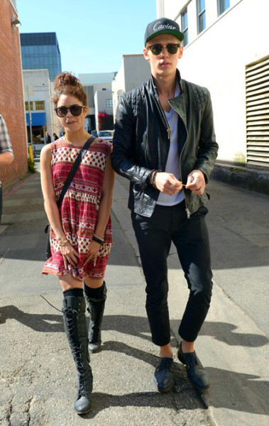 bliss-minds:  unpresentable:  I love them but i still love zanessa :P   Same ^^