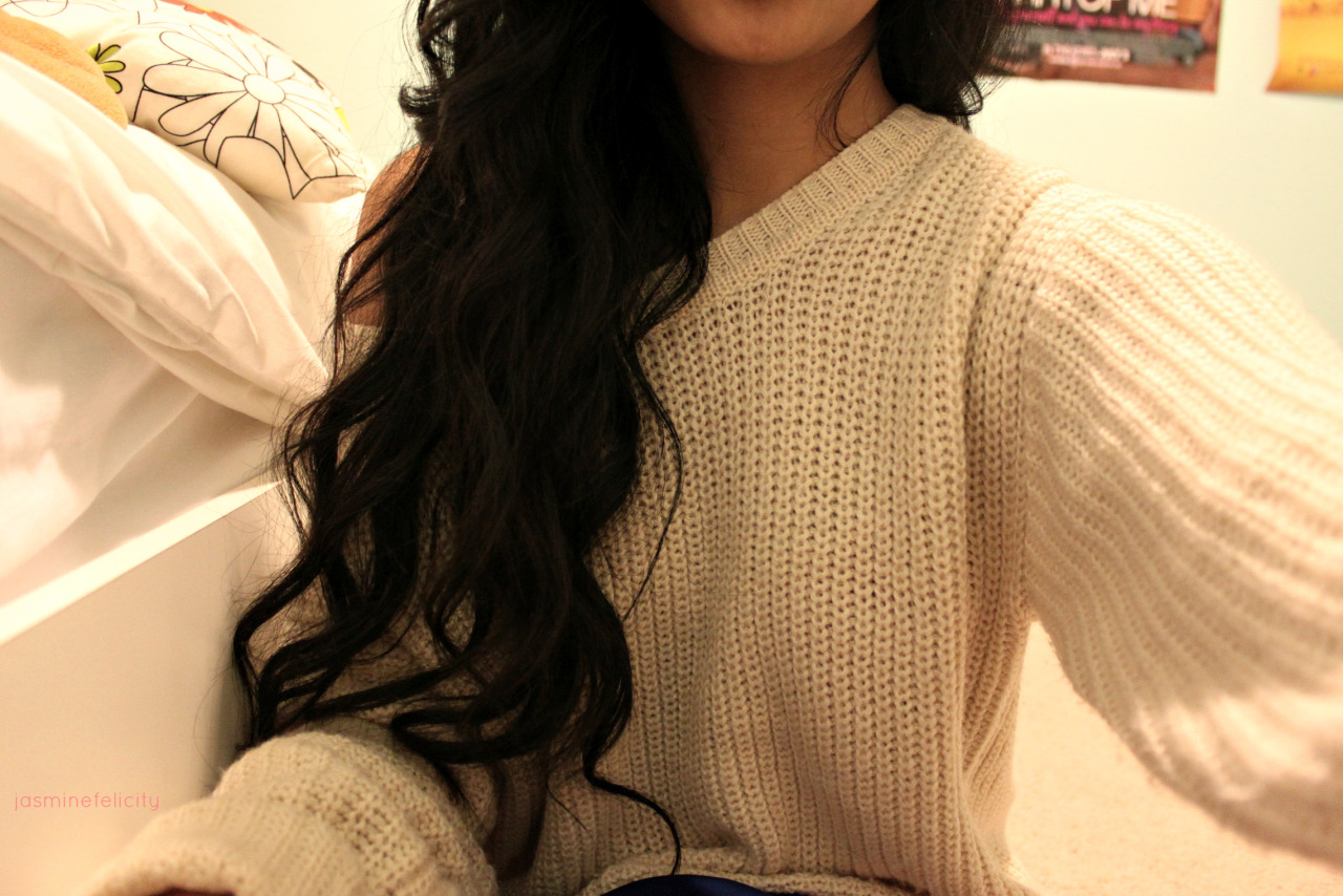 c4lifornia-xo:  this sweater is gorg.