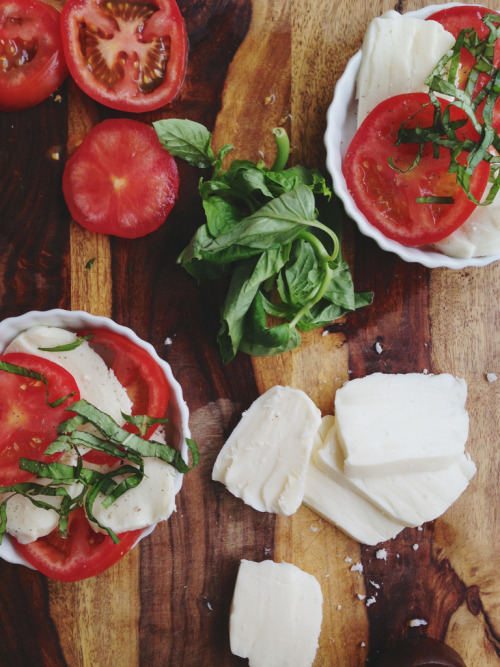 neekaisweird:  Lunch. (by Candid Appetite)