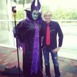 X-con the guy how dressed as maleficent did An amazon job #xcon #dressedup #awesome #costume