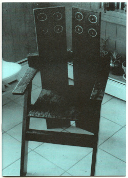 leonsadler:  peresaguer:  Nazi Knife nº7 on Flickr.  Chair by CF!!!