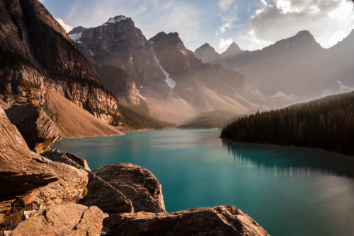 "theoceanrolls:  (via 500px / Photo ""Moraine Lake"" by Dominic Walter)"